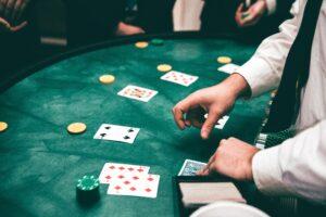 fazer raise no poker