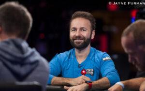 Daniel Negreanu jogando Poquer