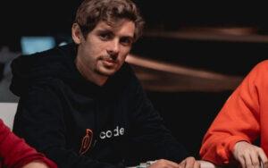 Fedor Holz Jogando Poquer
