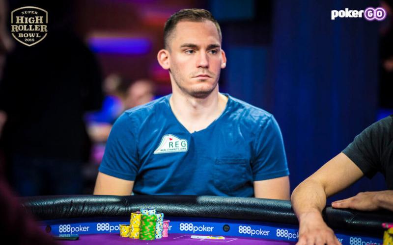 Justin Bonomo jogando Poker