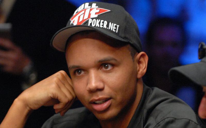 Phill Ivey jogando Poker